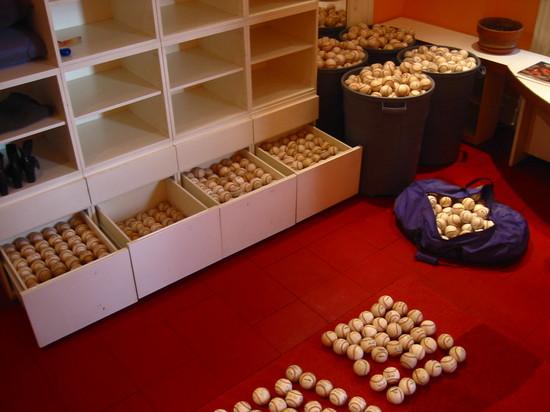2285_balls.jpg