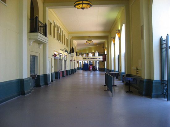 inside_stadium1_concourse.jpg