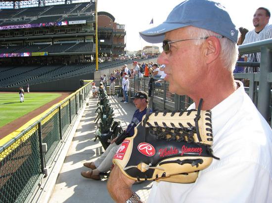 danny_trades_gloves.jpg