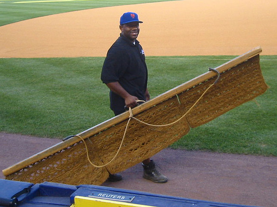 friendliest_groundskeeper_ever.jpg