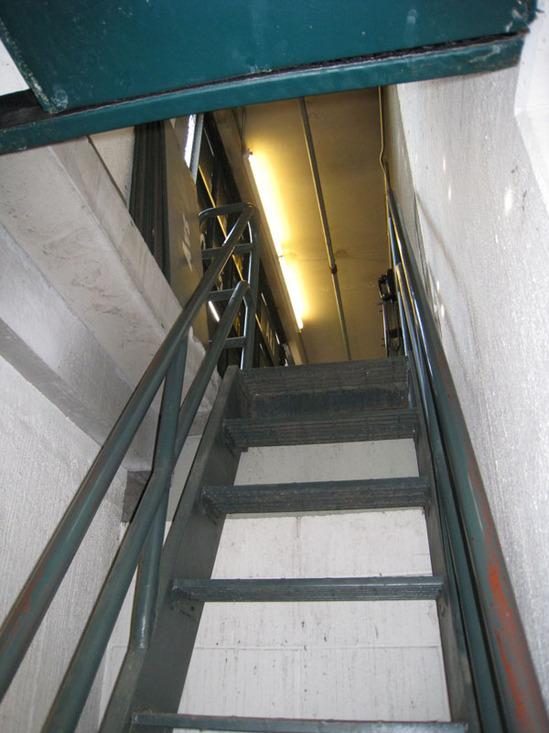 scoreboard4_stairs.jpg