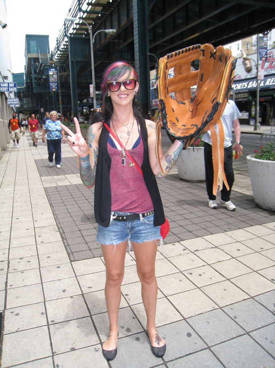 hottie_with_big_glove.jpg
