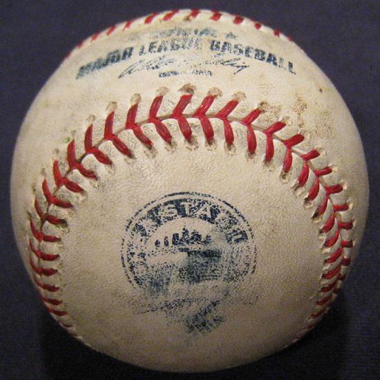 ball_3565_glove_trick.jpg