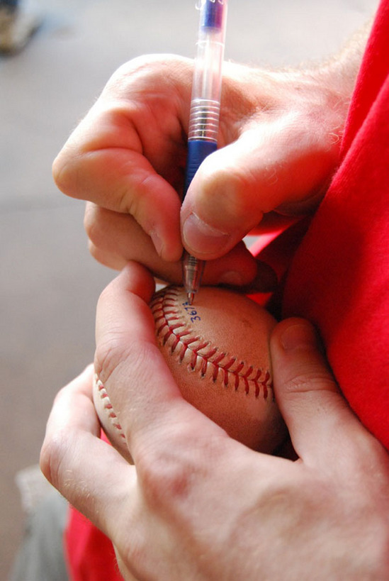 zack_labeling_ball3673.jpg