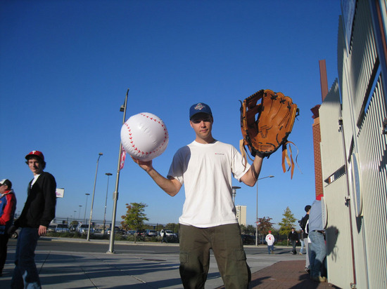 zack_big_glove_outside_10_26_08.jpg