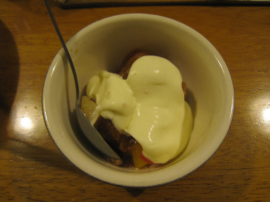 101_trifle_with_cream.jpg