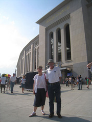 16_kathryn_eli_outside_stadium.jpg