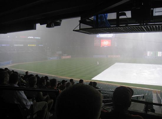 12_rain_delay_08_10_09.jpg