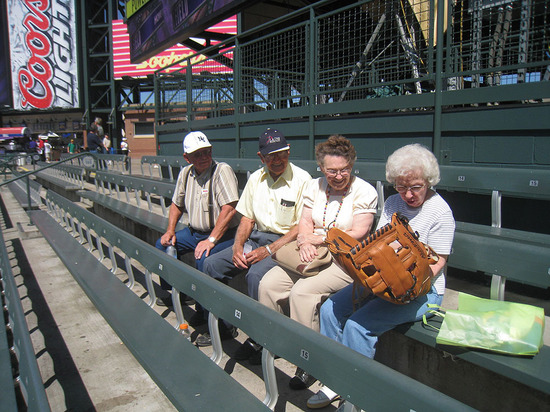 16_old_folks_with_big_glove.jpg