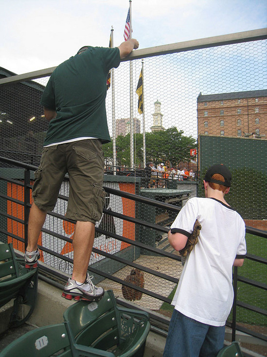 7_zack_glove_trick_over_fence.jpg