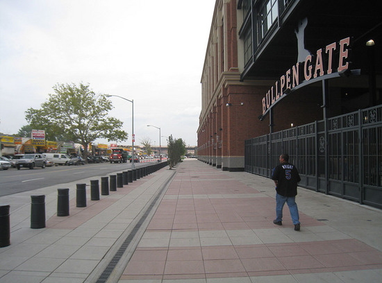 10_outside_citi_field_09_08_09.jpg