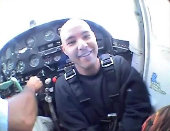 10_zack_cockpit.jpg