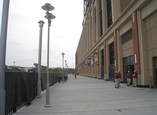 13_outside_citi_field_09_08_09.jpg