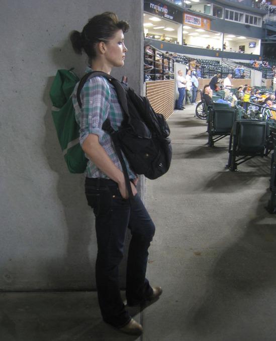 21_jona_holding_my_backpack.jpg
