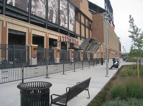 3_outside_citi_field_09_08_09.jpg