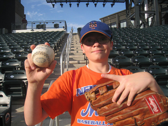 5_ross_with_ball_he_traded_for.jpg