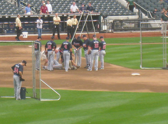 8_braves_player_hurt_in_BP.jpg