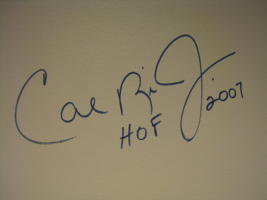 19_autographed_walls.jpg