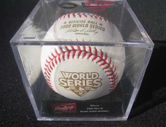4_2009_world_series_ball.jpg
