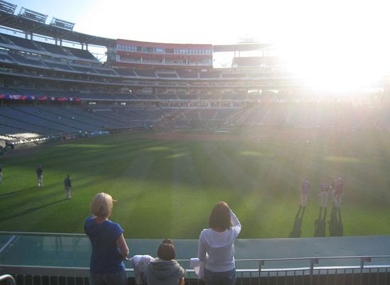 6_sunny_in_right_field.jpg