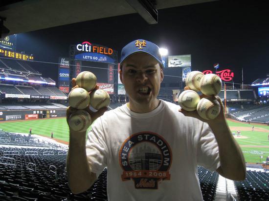 17_zack_citi_field_balls_04_07_10.JPG