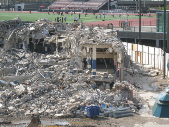 3_old_yankee_stadium_rubble.jpg