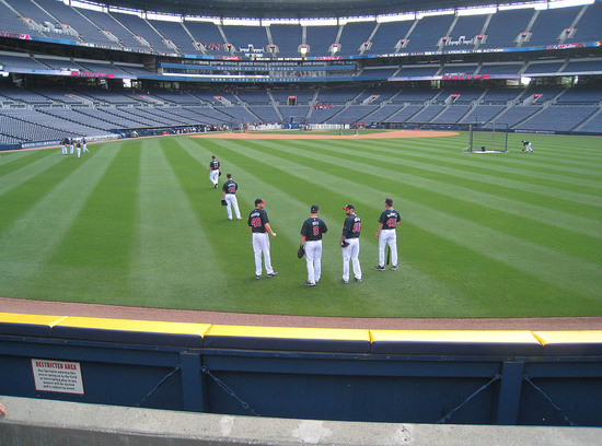 18_braves_in_right_field_05_17_10.JPG