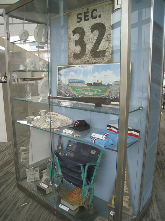 26_metropolitan_club_memorabilia.JPG