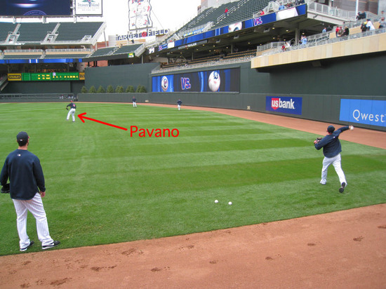 2_twins_playing_catch_05_05_10.JPG