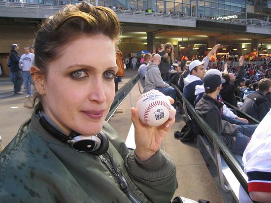 51_jona_and_her_ball.jpg