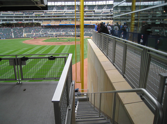 9_behind_the_left_field_foul_pole.JPG