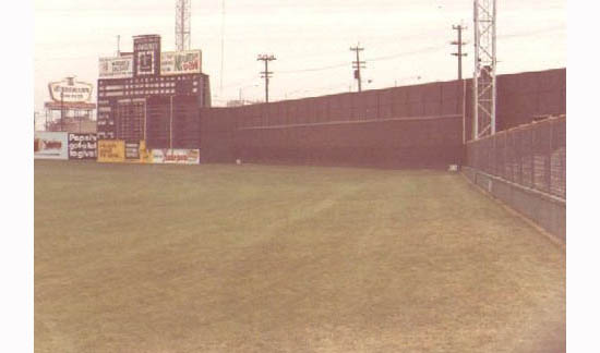 4_crosley_right_field_bleachers_fence.jpg