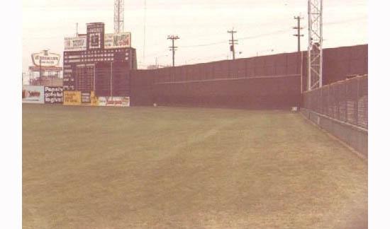 4_crosley_right_field_bleachers_fence.jpg