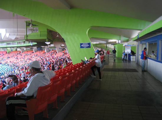 14_hiram_bithorn_back_concourse.JPG