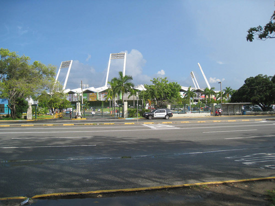 16_hiram_bithorn_stadium_from_afar.JPG