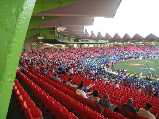 22_hiram_bithorn_stadium_interior.JPG