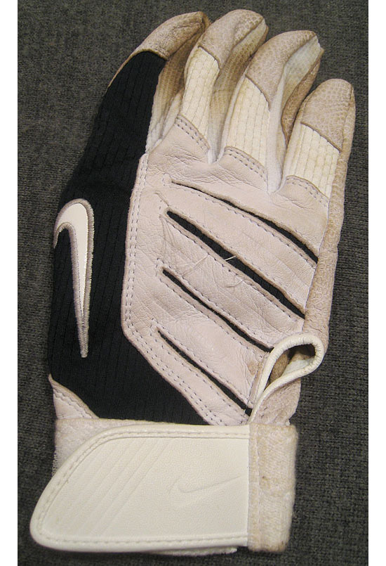 16_will_rhymes_batting_glove.jpg