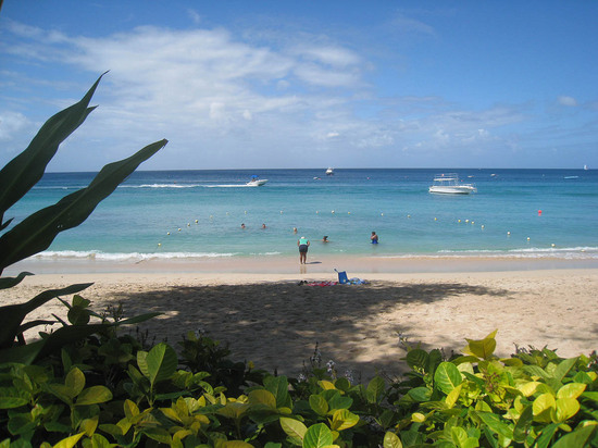 151_beach_from_hotel.jpg