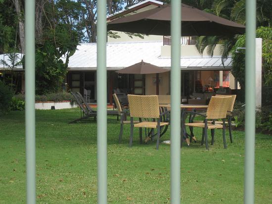 77_house_through_gate.JPG