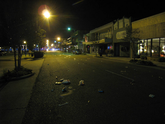 10_empty_street_after_parade.JPG