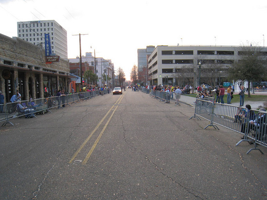 26_barricades_for_parade.JPG