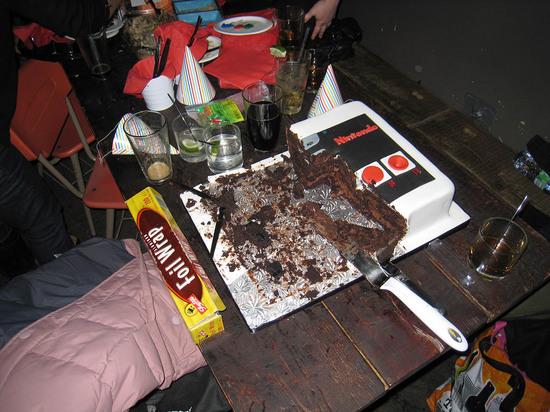 6_nintendo_cake.jpg