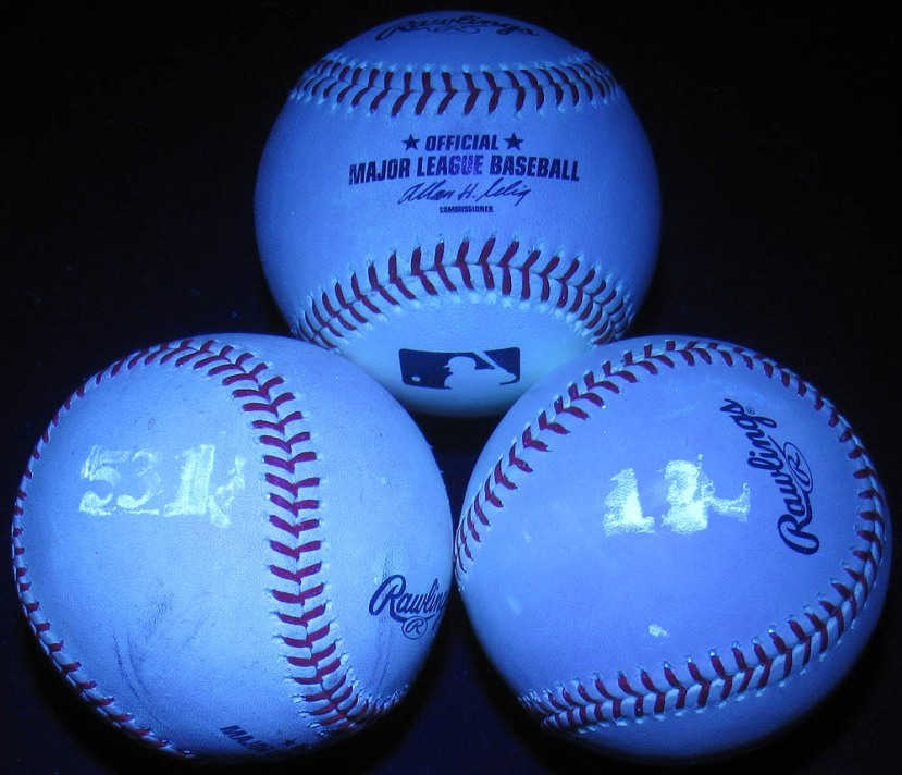 23_the_three_balls_i_kept_black_light_04_20_11