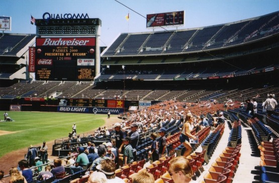 18_qualcomm_stadium_first_base_side