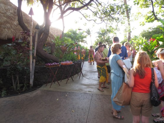 244_entering_the_luau