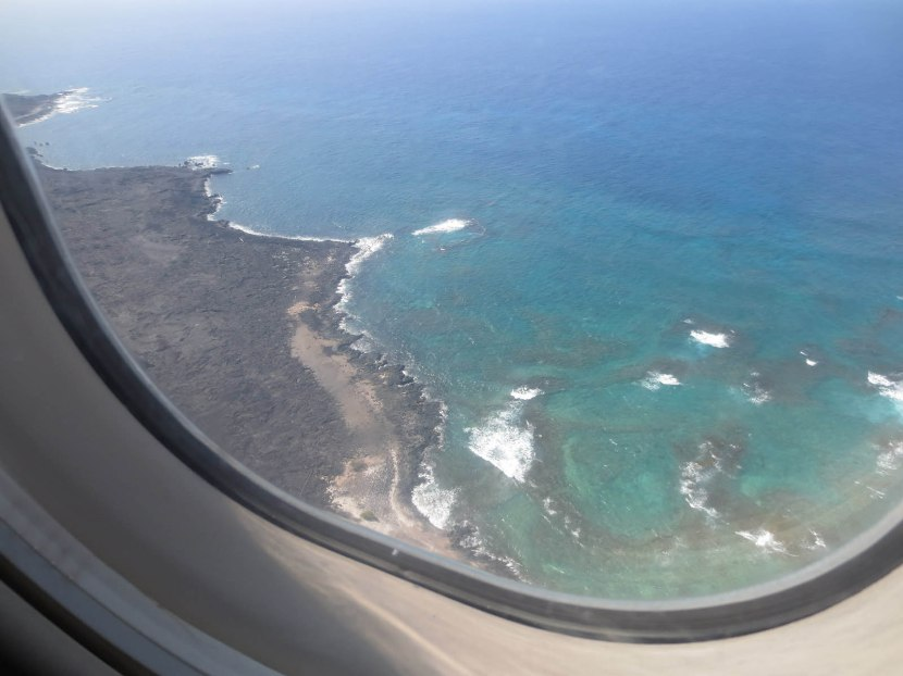 350_flying_into_the_big_island