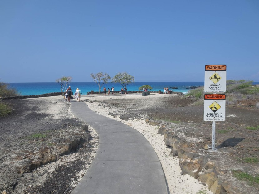 400_walking_toward_the_beach