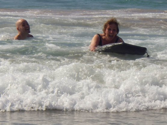 453_zack_helping_naomi_boogie_board