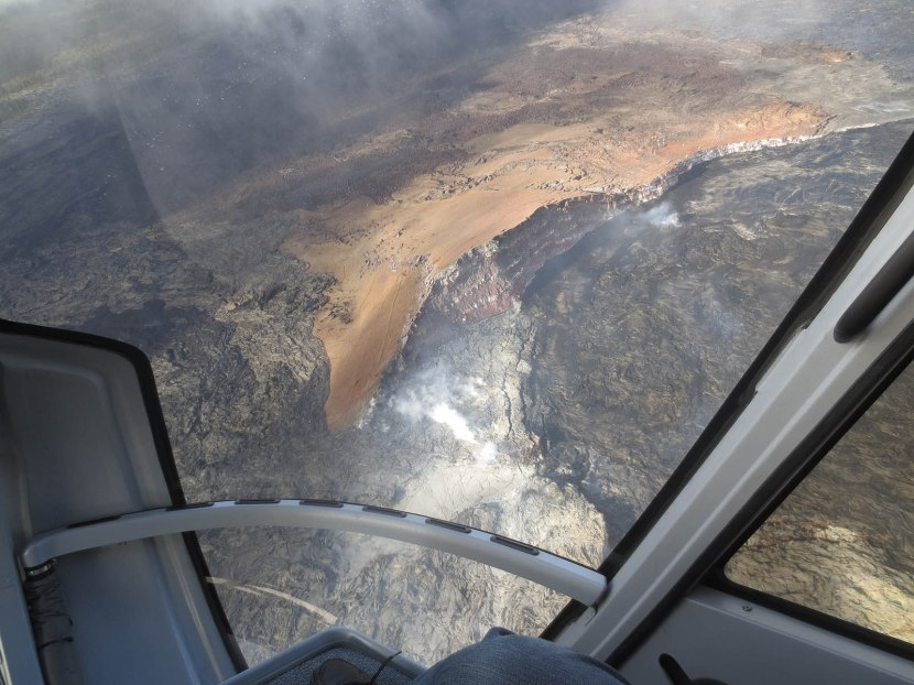 567_flying_over_active_volcano