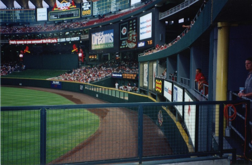 10_old_busch_stadium_right_field_corner